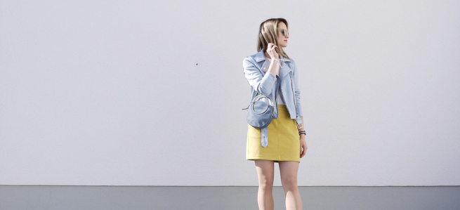 outfit, look, style, modeblogger, modeblog, fashionblogger, fashionblog, yellow skirt, blue jacket, blue bag, round bag, color combo, style inspiration, outfit ideas